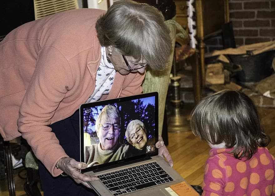 Recognising technology needs among older adults  and people with dementia